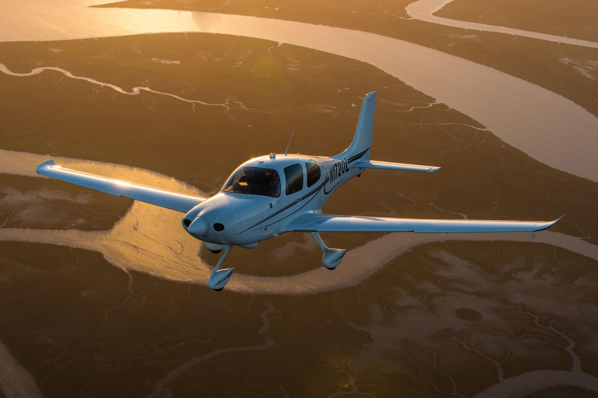 Cirrus SR20 AirtoAir